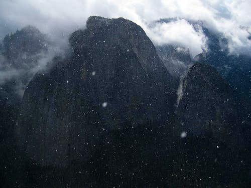 Cathedral Rocks from El Cap