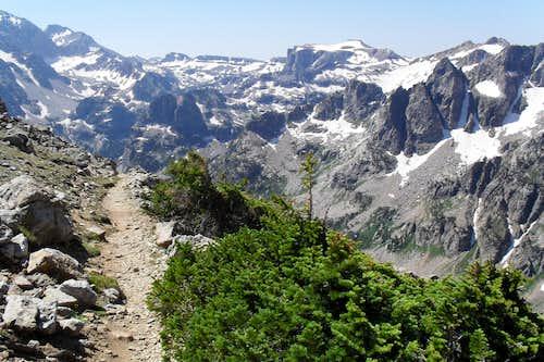 Descending into North Cascade Canyon