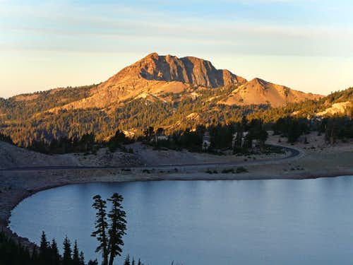 Brokeoff Mountain from Lake Helen