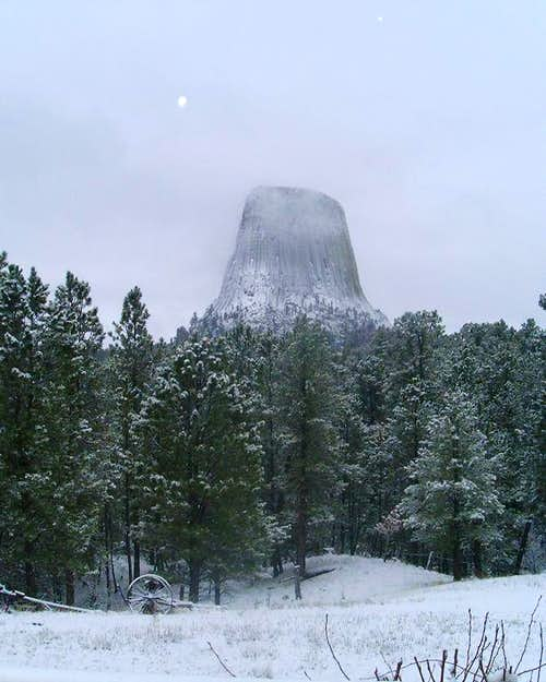 Devils Tower in Snow