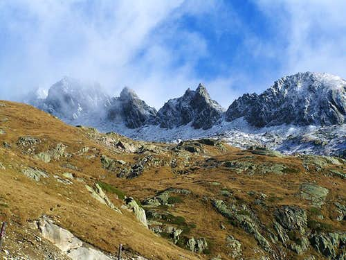 Autumn enters the Val Bedretto