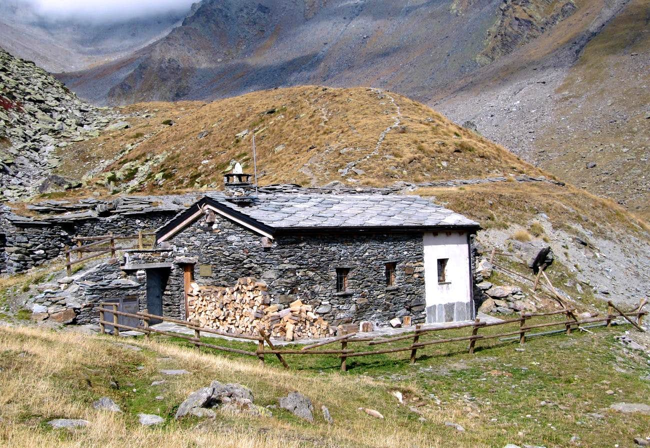 <font color=ff7000>⌂</font>Alpine BIVOUACS in the Aosta Valley &quot;Gran San Bernardo Valley&quot;