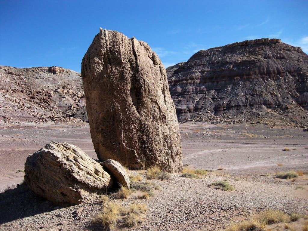 Desert Rock Pillars : Desert floor and small pillar photos diagrams topos