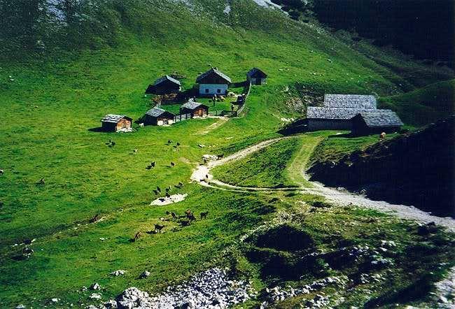 Prags Dolomite idyll:...