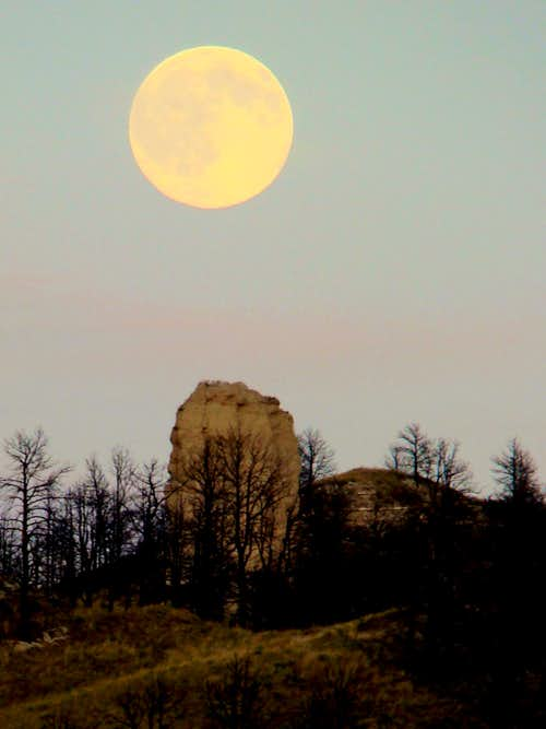 Moon Over Thumb Rock