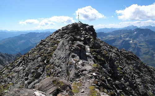 Just a stone's throw from the Geisselkopf summit