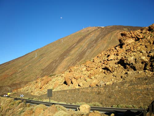 Full moon over Teide