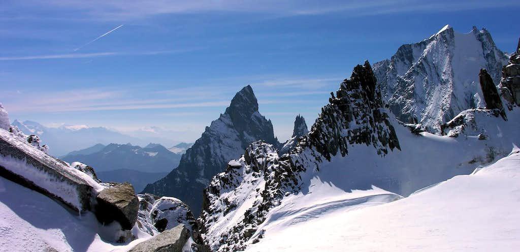 Views of Aiguille Blanche de Peuterey