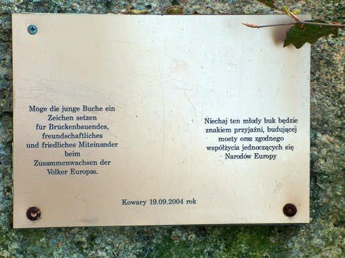 A symbolic plate in Rudawy Janowickie in German and Polish languages