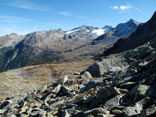 View to the Tischlerkarkopf (3001 metres) with it's glacier from the Palfnerscharte