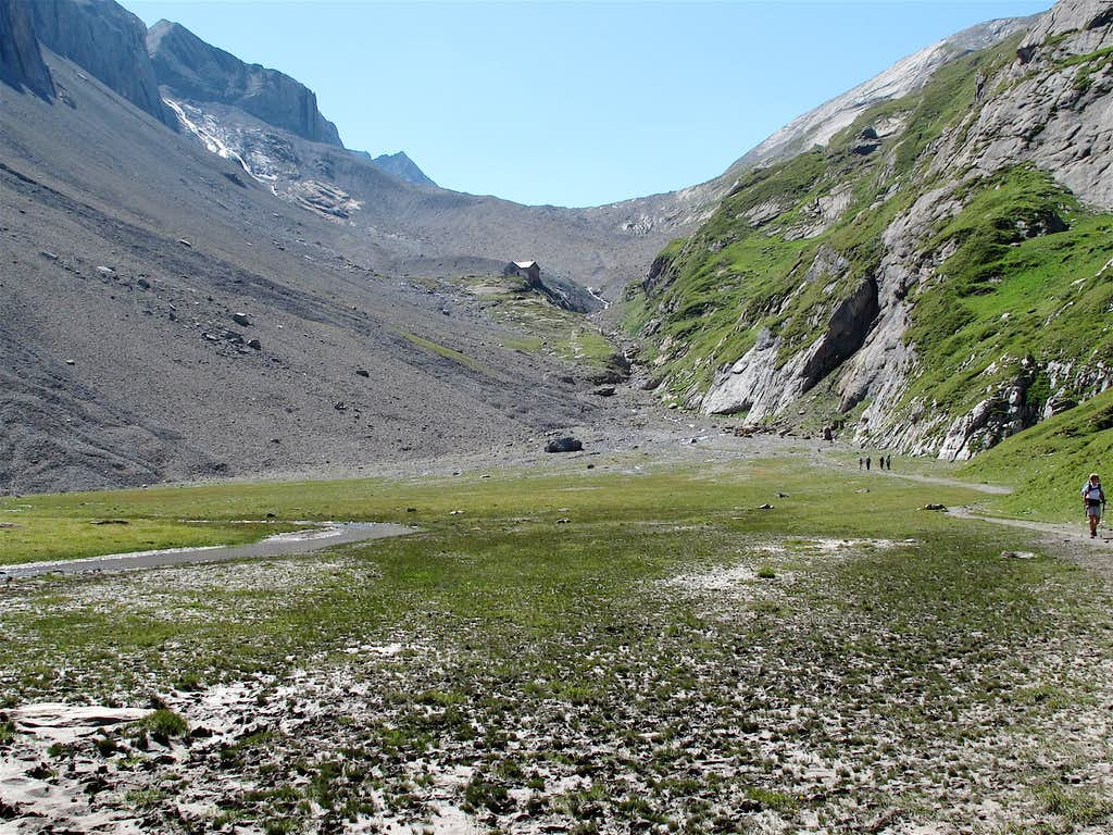 Iffigsee, Iffighorn and Wildhorn Hut
