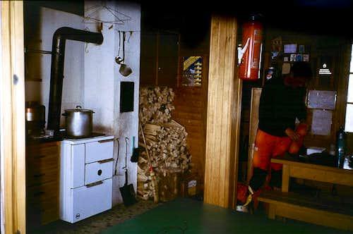 Guggi hut interior