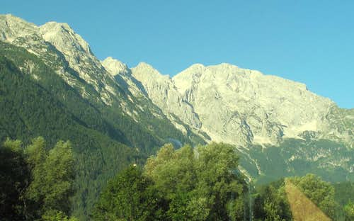 View to the Göll from the Salzburg-Klagenfurt train on a splendid September morning