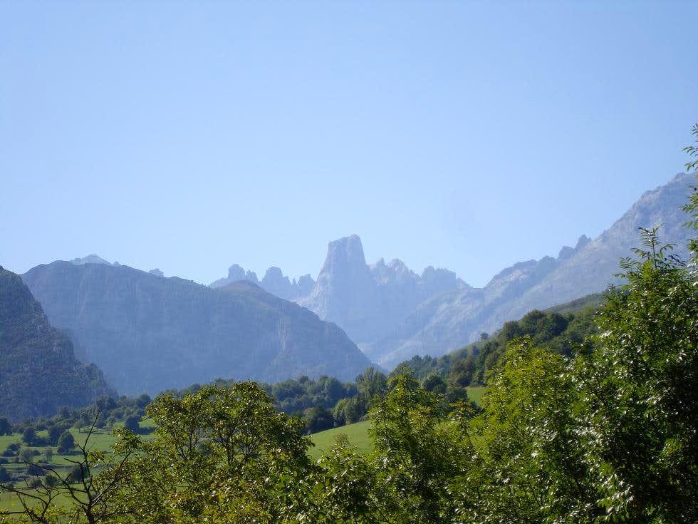 Naranjo de Bulnes - Picos de Europa