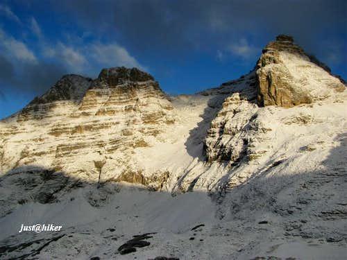 Planja (2.453m) and Razor (2.601m)