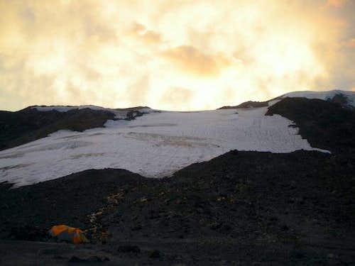 Sunset over the Mazama Glacier