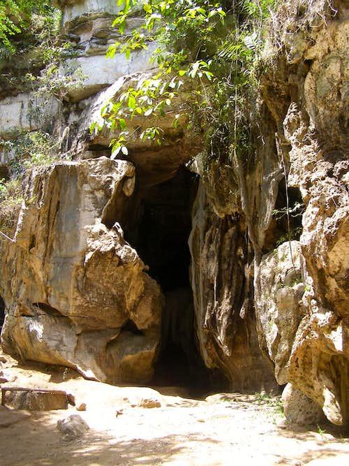 Amboni Cave