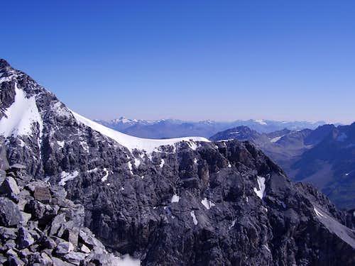 Mid part of the Hintergrat seen from Monte Zebrù summit