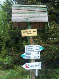 Trail sign on the polish side of Borůvková Hora (Borowkowa Gora)