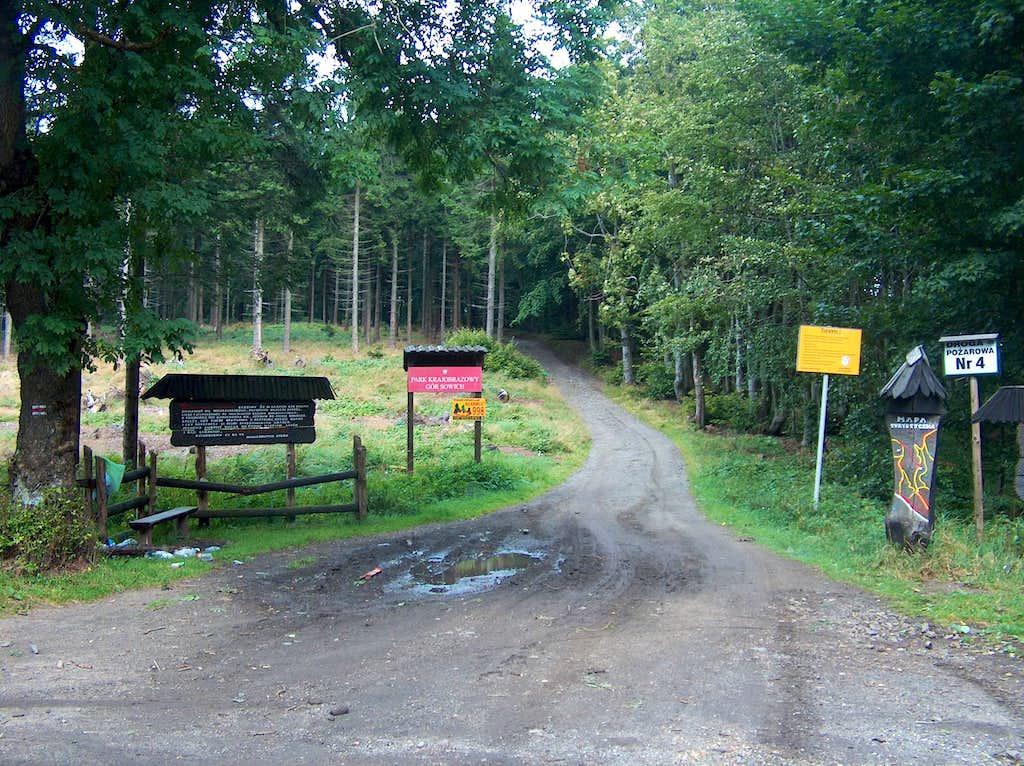 Pass Jurgowska Przełęcz on Wielka Sowa