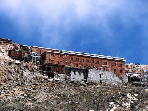 Alpine REFUGES in the Aosta Valley