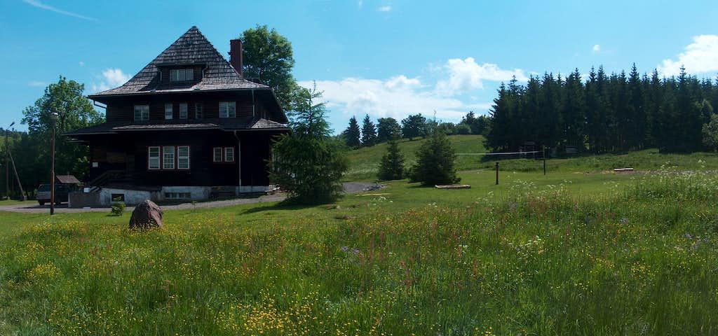 Andrzejówka hut on Waligóra