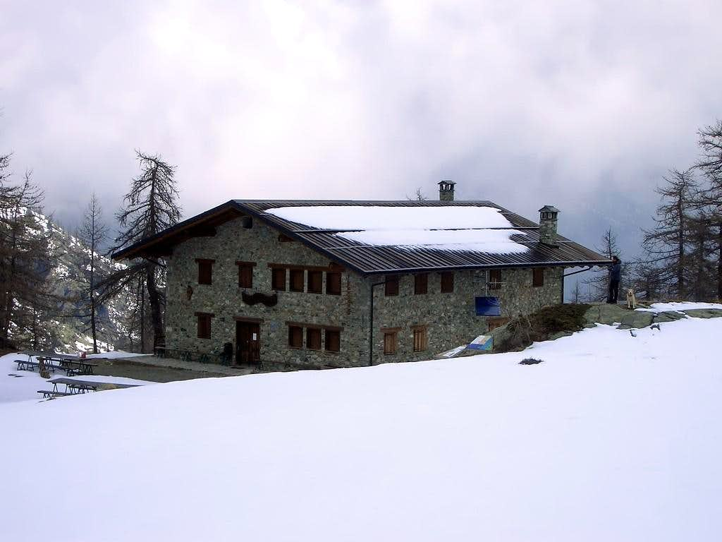 Alpine REFUGES in the Aosta Valley <b>(Champorcher Valley)</b>