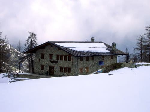 Alpine REFUGES in the Aosta Valley  (Champorcher Valley)