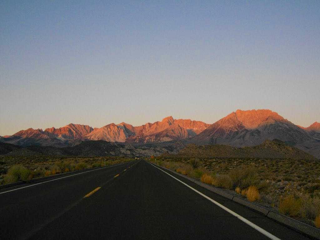 The road to Sabrina Basin