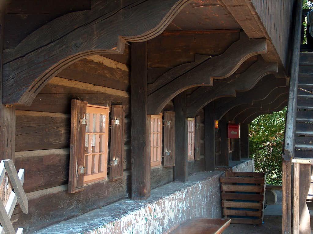 Schronisko Szwajcarka, a 180 years old mountain hut in Rudawy Janowickie