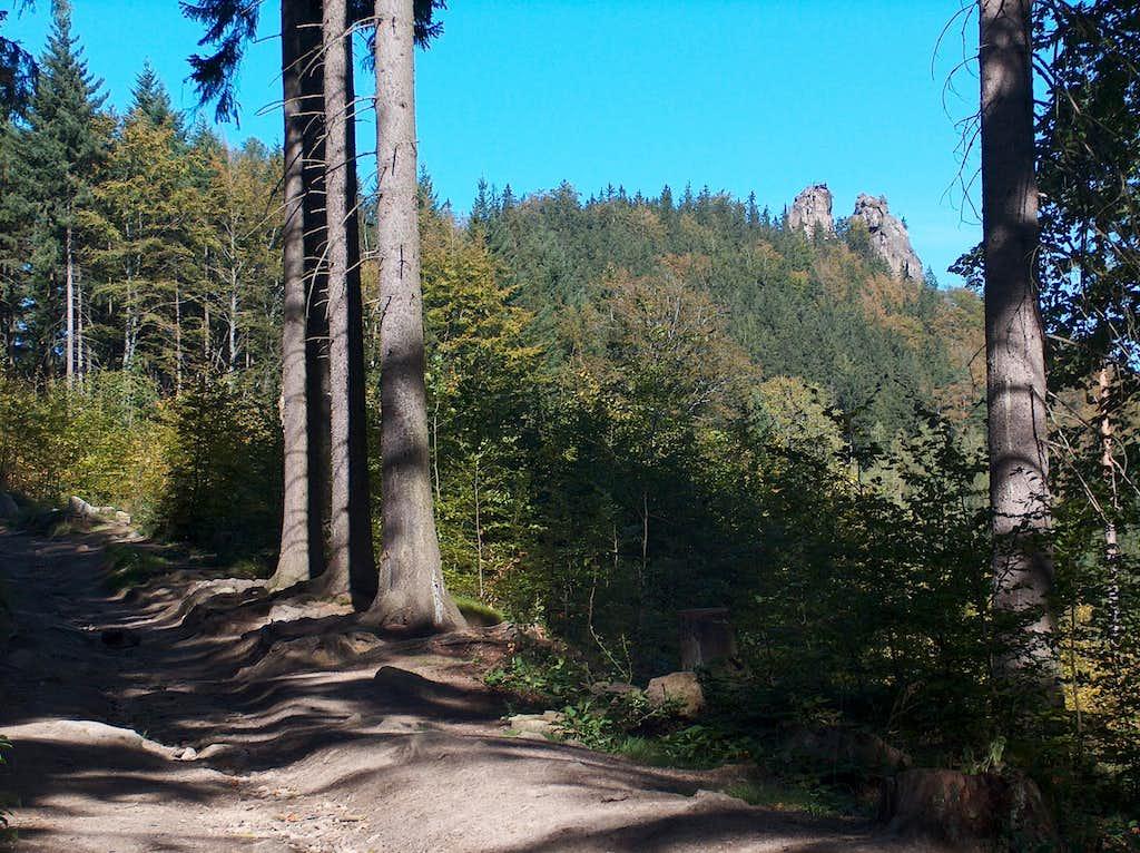 Walking to the Sokoliki rocks in Rudawy Janowickie