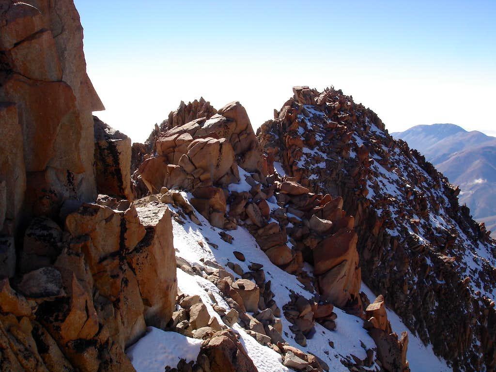 Nevado de Chani, Summit