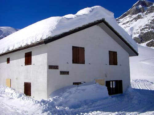 Alpine REFUGES in the Aosta Valley