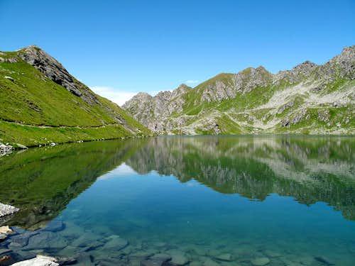 The upper Lac des Vaux (2500m)