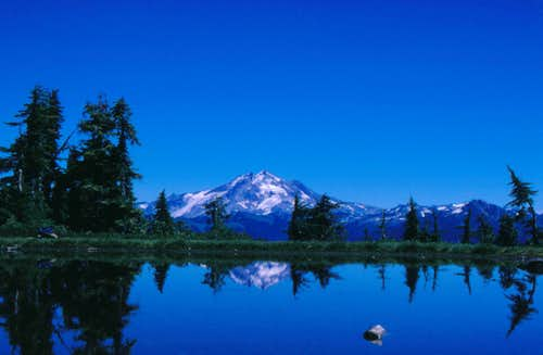 Glacier Peak reflection