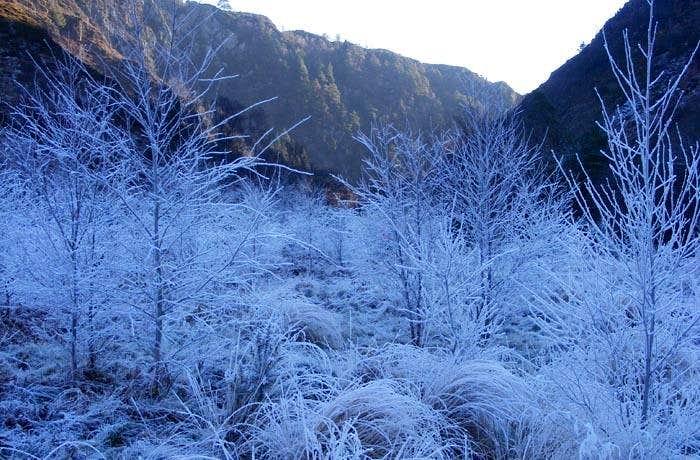 Frozen entrance to Aberglaslyn Pass