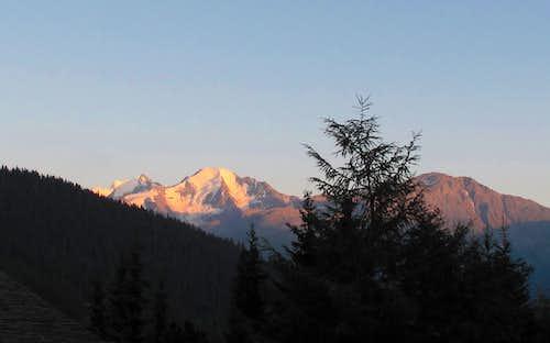 Alpine glow on the Combins