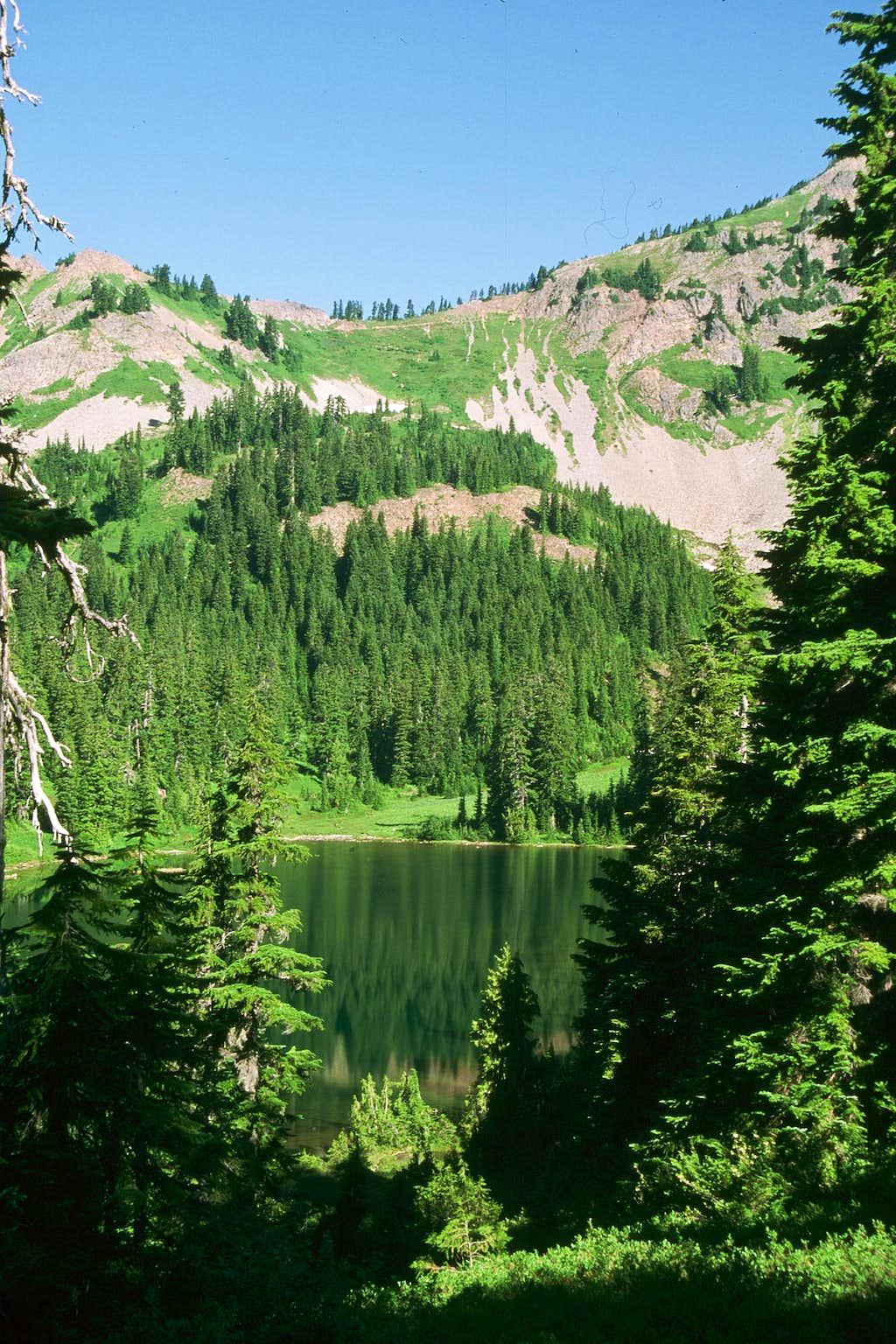 Chikamin Pass from Upper Park Lake