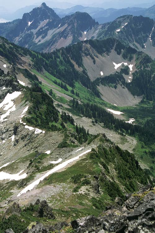 Chikamin Ridge from Chikamin Peak