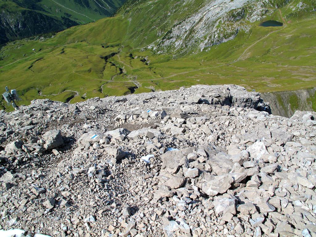 The rocky upper part of the Rüfispitze trail