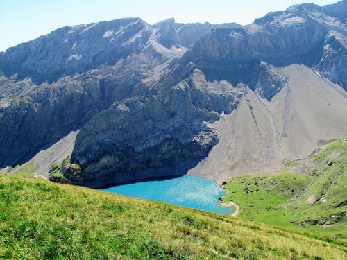 The Iffigsee lake with its surrounding cliffs
