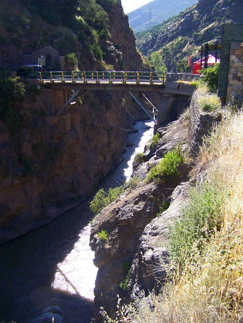 The old wooden bridge above the gorge of Mapocho river