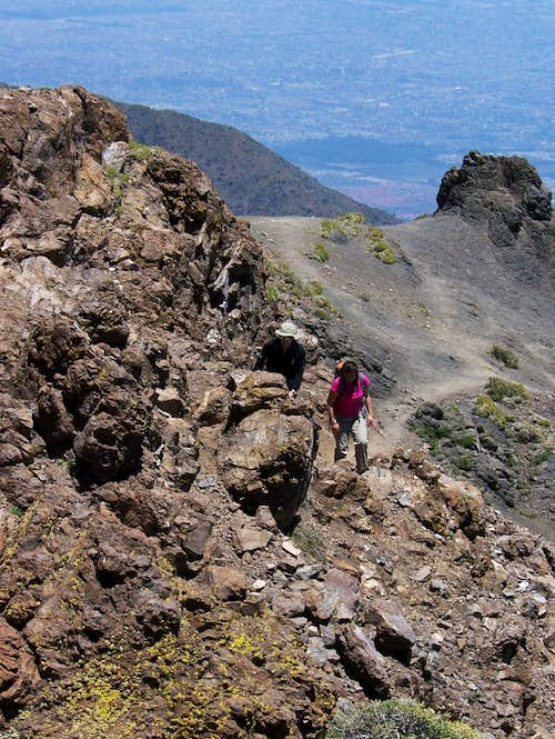 Hikers on the path to Cerro Provincia