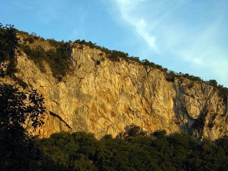 Velika stena crag