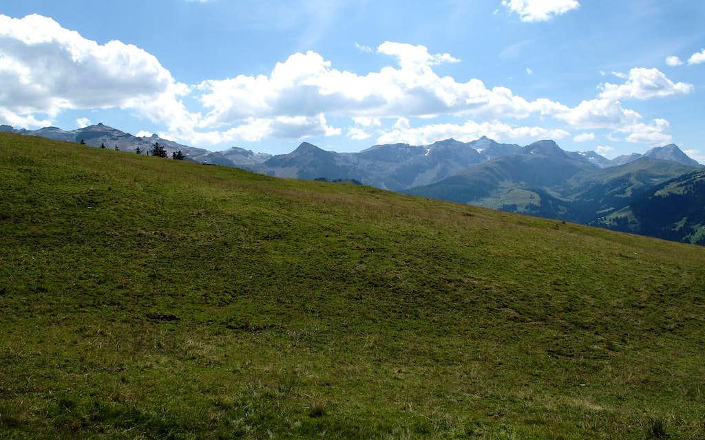 View to Laufbodenhorn (far left), Schnidehorn and Wildhorn (center)