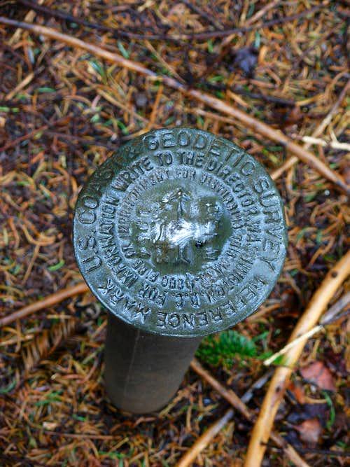 Larch Mountain Summit Marker