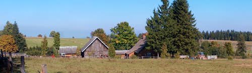 In the Góry Bystrzyckie mts, huts