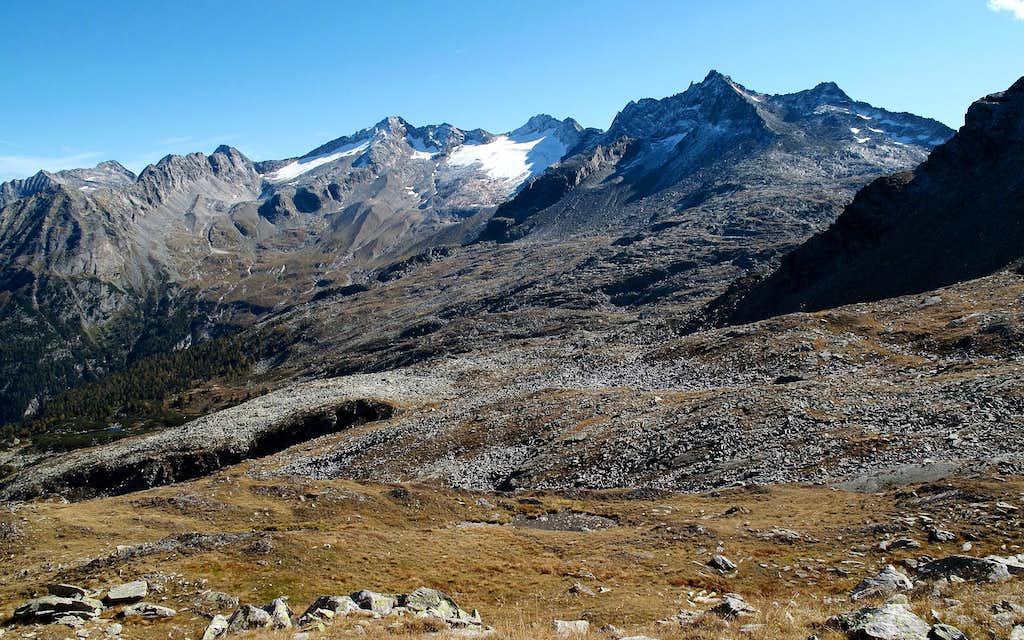 Tischlerkarkopf (3004 metres) with its glacier seen from the Palfnerscharte