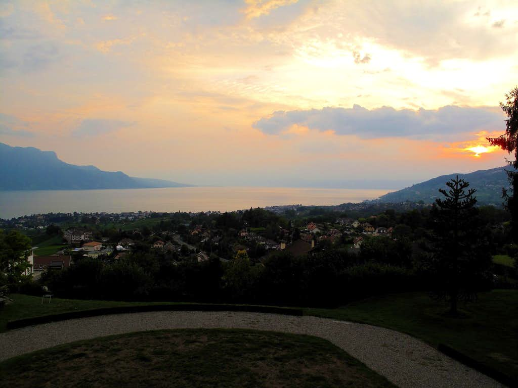 Sunset over the lake of Geneva