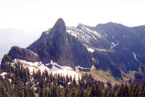 Skadulgwas Peak (Middle...